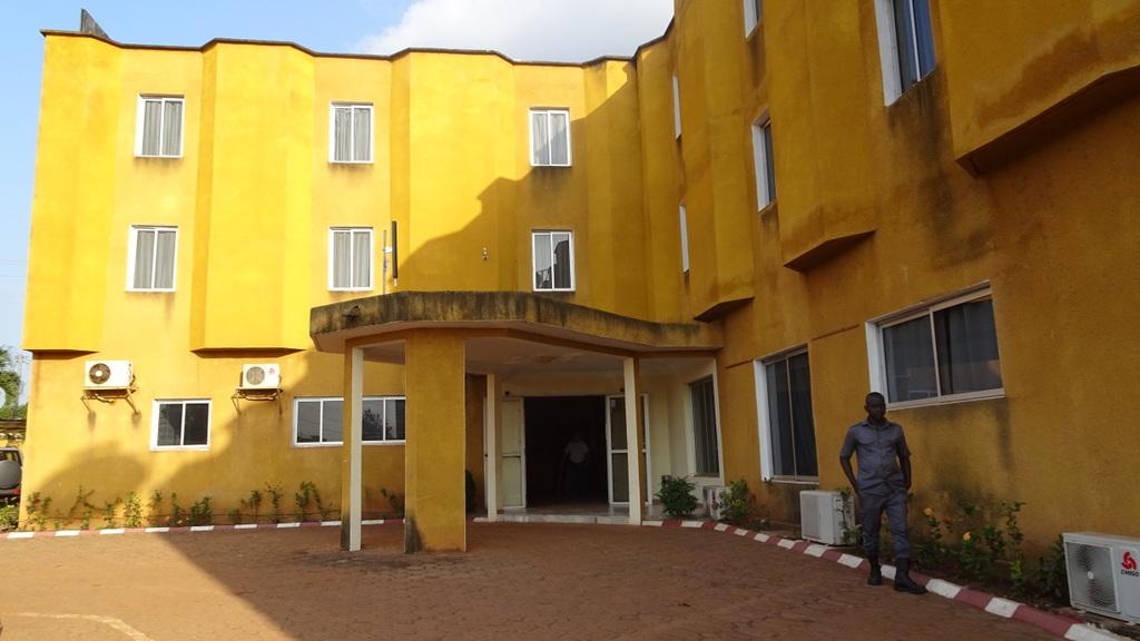 ivory coast abengourou hotel le royaume 2015 - Yellow Hotel 2015